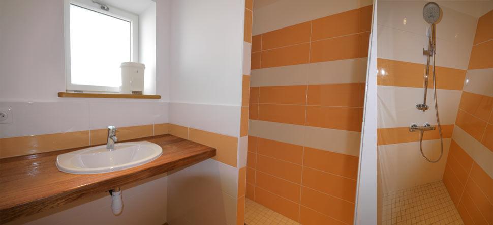 La salle d\'eau (douche à l\'italienne)